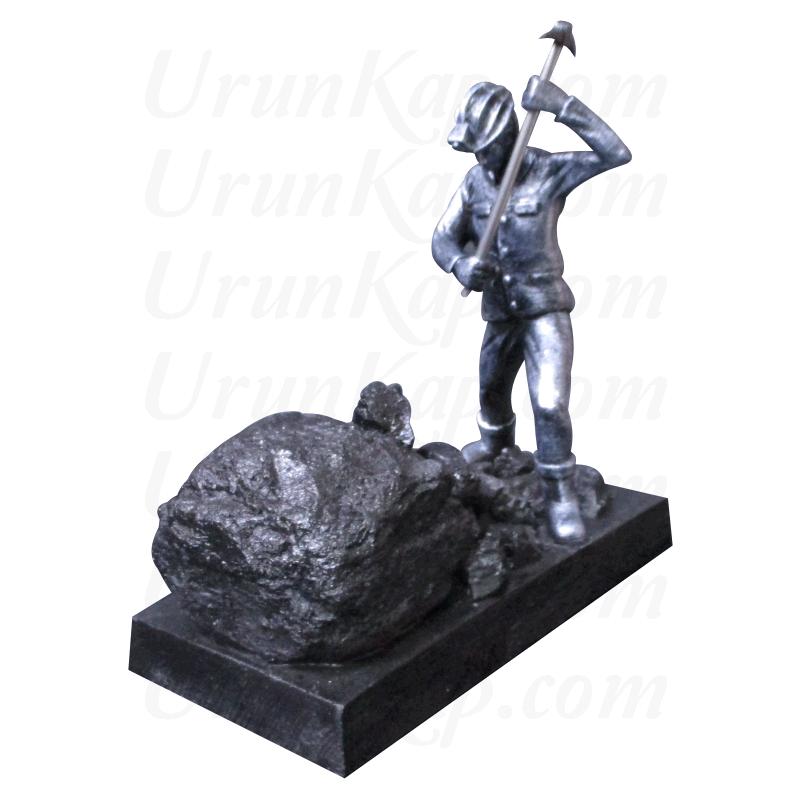 Kömür Kazan Madenci Heykeli