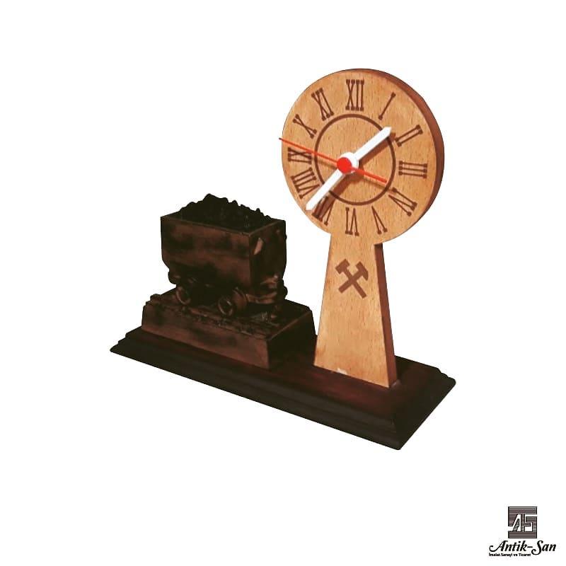 Masaüzeri dekoratif saat ve vagon